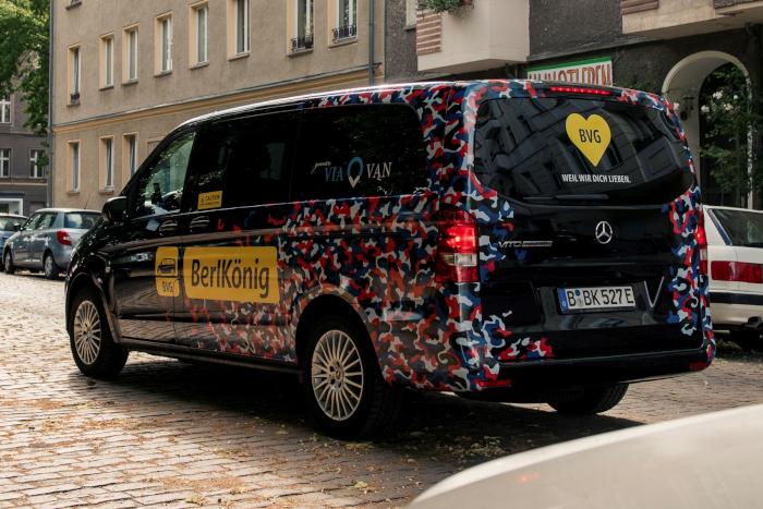 Mercedes eVito Tourer pour le service de trasnport en commun à la demande berlinois BerlKönig