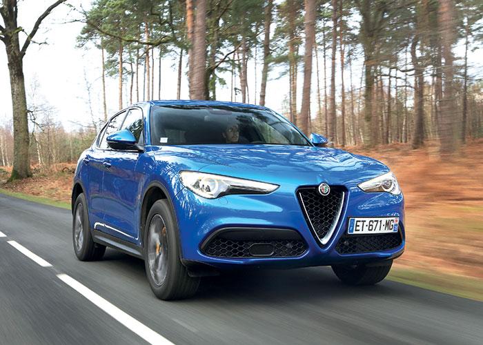Chez Alfa Romeo, le Stelvio se dote du 2.2 turbodiesel de 160 ch à 136 g en boîte auto et propulsion (39 900 euros). Une version de 190 ch est au catalogue pour la transmission intégrale Q4 à 144 g (44 700 euros).