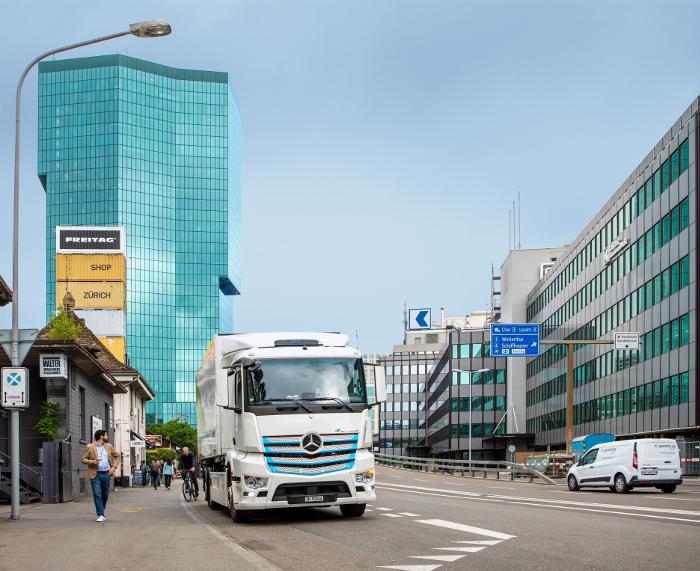 Camion Transport Migros eActros