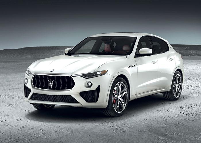 Le Maserati Levante aligne le 3.0 V6 turbodiesel d'origine italienne de VM Motori (propriété de Fiat Chrysler Automobiles), mais revu et corrigé par Ferrari dans une puissance portée à 275 ch pour 210 g. Son prix débute à 76 200 euros.