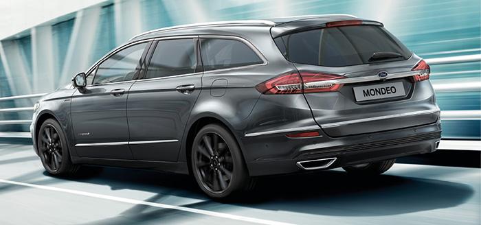 Sur la Mondeo de Ford, les 187 ch au total sont délivrés par le 2.0 de 140 ch, aidé par un moteur électrique de 120 ch et une petite batterie non rechargeable de 1,4 kWh, pour 96 g en berline 4 portes (39 200 euros en Business).