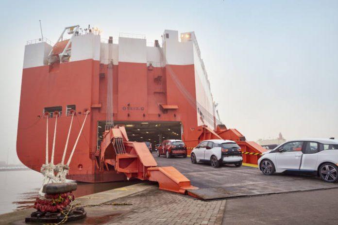 Expédition de BMW i3 par transport maritime à Bremerhaven en novembre 2015