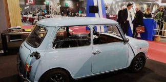 Rétrofit électrique - Mini électrique transformée par Ian Motion exposée au salon Rétromobile