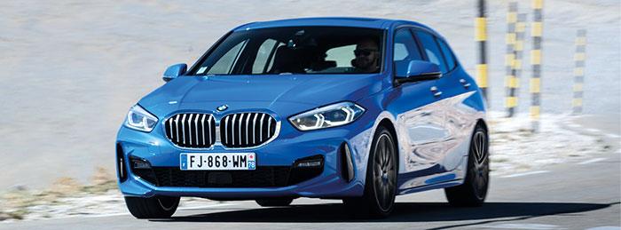 Pour la BMW Série 1, l'accès à la gamme en essence se fait en 116i de 109 ch à 134 g (WLTP) pour 23 950 euros en Première. Pour la finition Business Design, il faut passer à la version 118i de 136 ch à 132 g en boîte manuelle pour la somme de 31 400 euros.