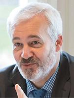 Stéphane Antoinat, responsable du parc du laboratoire pharmaceutique Sanofi France