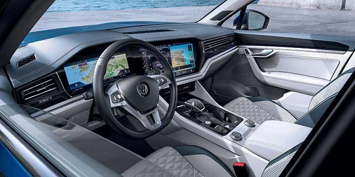 SUV Volkswagen Touareg habitacle