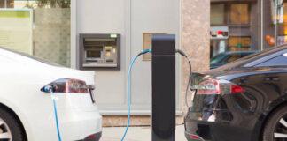 Voitures électrifiées en charge