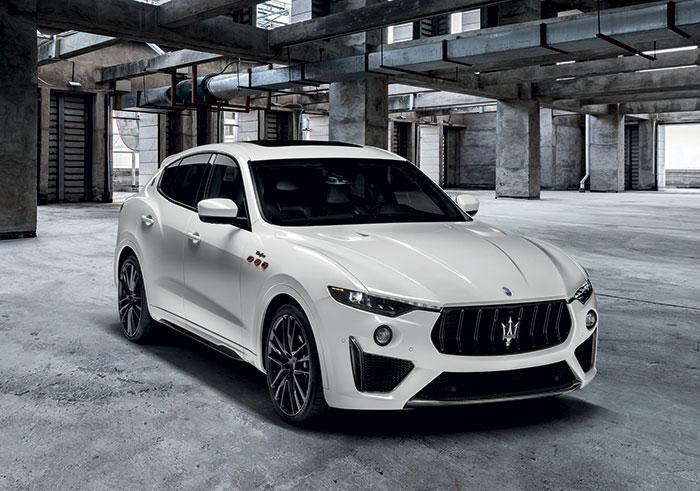 Dans la catégorie des SUV de luxe, le Levante (5,01 m de long) de l'italien Maserati partage avec son cousin, le Jeep Grand Cherokee, le 3.0 V6 turbo-diesel dans une puissance portée à 275 ch, pour 210 g de CO2 et un tarif de 76 200 euros.