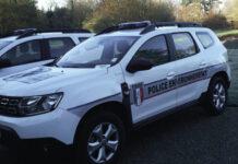 Dacia Duster de la police de l'environnement de l'Office français de la biodiversité (OFB)