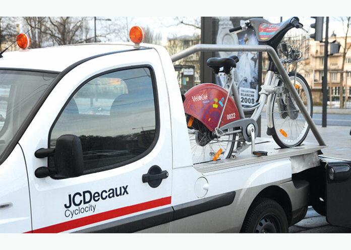 Sur un total de 2 200 véhicules, la flotte du spécialiste de la communication extérieure JCDecaux comprend 36 VU électriques, 122 VU hybrides GNV, 5 VP 100 % électriques, 43 VP hybrides dont 6 rechargeables et 4 modèles bio-éthanol.