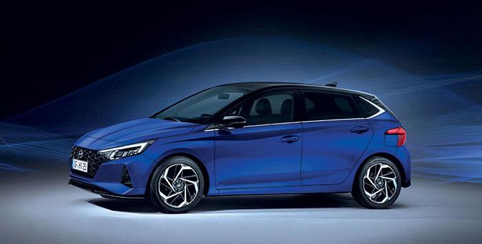 La Hyundai i20 adopte le 1.0 T-GDi de 48 V en 100 ch/125 g à 20 500 euros en Business ou 21 800 euros avec la boîte double embrayage toujours pour 125 g. Le 4-cyl. 1.2 constitue l'accès à la gamme en 84 ch/129-133 g à 15 950 euros en Initia.
