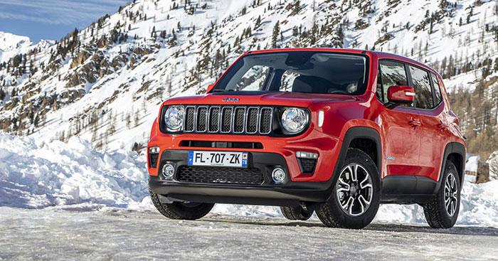 Le Jeep Renegade s'équipe du 3-cyl. 1.0 turbo-essence en 120 ch/151-168 g à 26 050 euros, et du 1.3 T4 en 150 ch/151-162 g à 28 700 euros en Business. Une transmission 4x4 est proposée sur ce 150 ch à 184-204 g et 34 700 euros en Limited.