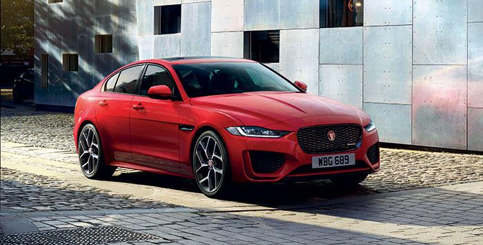 Avec la version MHEV de 48 V pour son 2.0 turbo-diesel de 204 ch, la Jaguar XE affiche un CO2 à 130 g (45 810 euros). Cette D200 MHEV n'y parvient qu'en propulsion, la version à transmission intégrale augmentant les émissions de plusieurs grammes.