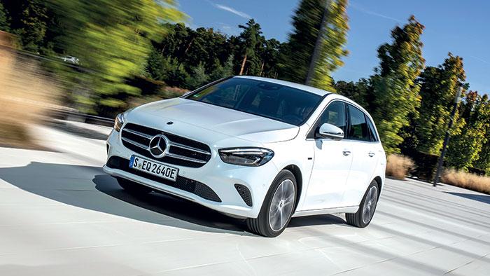 Chez Mercedes, le succès ne se dément pas pour la Classe A et son clone « monospace » Classe B (+ 2 150 euros, 4,44 m de long toutes deux), complétées par la carrosserie 4 portes à coffre berline rallongée (4,56 m, + 650 euros).