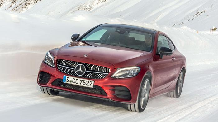 En Avant-garde Line, la Mercedes Classe C Coupé (4,69 m de long) reprend les motorisations plus puissantes de la Classe C avec en diesel la C 220d de 194 ch et 130 g (49 850 euros), et en essence avec la C 200 de 184 ch et 148 g (46 350 euros).