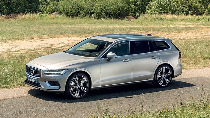 Chez Volvo, le break V60 se dote du turbo-diesel B4 micro-hybride de 197 ch et 144-151 g à 46 050 euros en Business. En essence, la micro-hybridation est aussi de la partie pour la B3 de 163 ch à 153-169 g et 40 400 euros en Business.