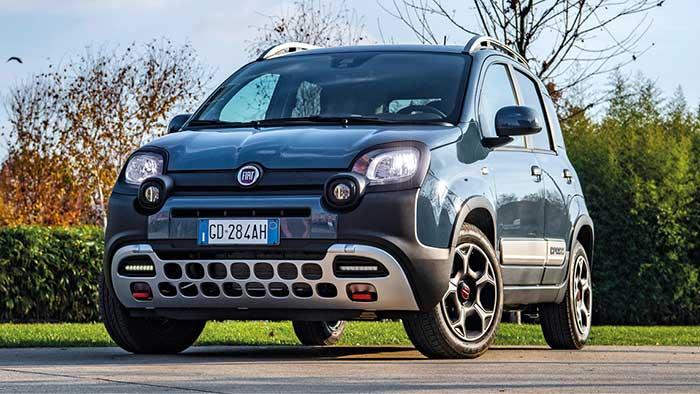 Pour la Panda, Fiat commercialise un kit Gruau à 803,70 euros ou Novetud à 790 euros. Le 1.0 MHEV de 70 ch/119 g débute à 9 413,67 euros, complété à 14 163,67 euros par le bicylindres TwinAir 0.9 de 85 ch/156 g pour la version 4x4.