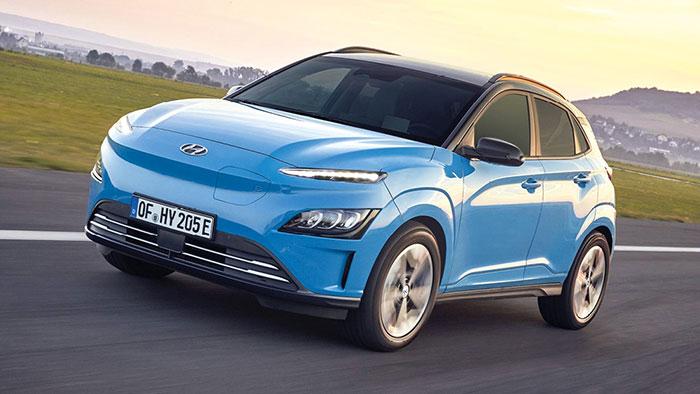 Le Hyundai Kona se décline en thermique, en full hybrid FHEV et en version électrique. Dans ce dernier cas, le kit est facturé 738 euros alors que pour les Kona thermiques et hybrides, il est à 683 euros, le coffre affichant 1 143 l.