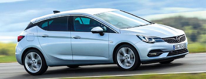 L'Opel Astra emprunte ses motorisations à GM. Le kit est à 565 ou 615 euros en break (+ 950 euros). L'Astra débute à 21 950 euros TTC en 1.2 Turbo de 110 ch/122 g, et à 24 300 euros TTC avec le 1.5 D de 105 ch/112 g.