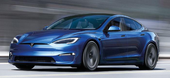 La Tesla Model S débute à 89 990 euros en Long Range avec ses deux moteurs électriques cumulant 670 ch pour 663 km d'autonomie. La Tri-Motor Plaid et ses trois moteurs affichent 1 020 ch pour 628 km d'autonomie à 119 990 euros, pas moins.