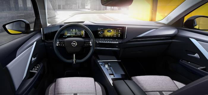 Opel Astra intérieur