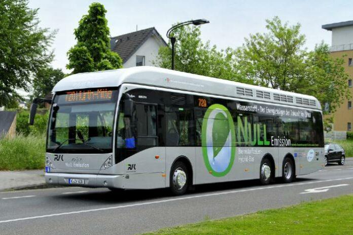 FlotAuto: Pau Béarn Pyrénées Mobilités complète sa flotte avec 4 bus à hydrogène.