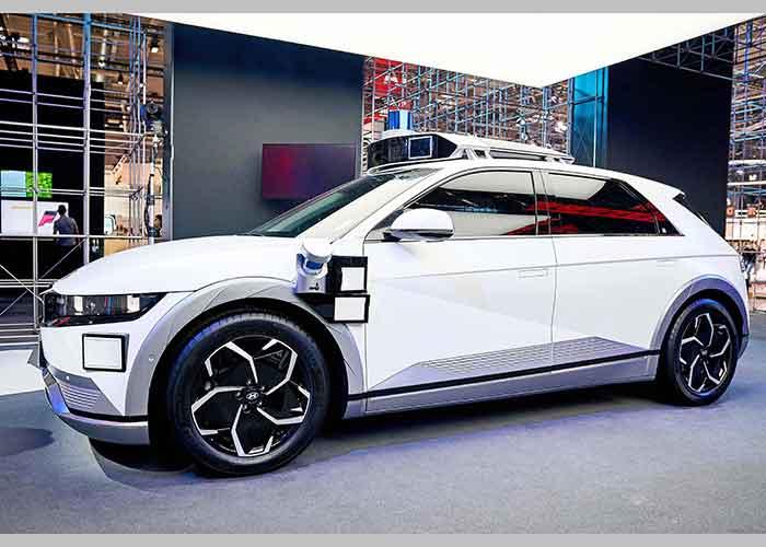 Hyundai Ioniq 5 Robot Taxi