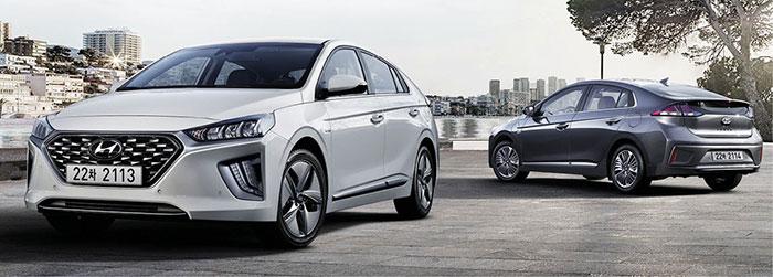 Le Hyundai Ioniq aligne son Hybrid de 141 ch à 102-106 g pour 28 050 euros en Intuitive et 30 150 euros en Business. Mais aussi son Hybrid Plug-in, basé sur le 1.6 GDi de 105 ch aidé par 43 ch électriques (batterie de 8,9 kWh), pour 32 900 euros en Intuitive.